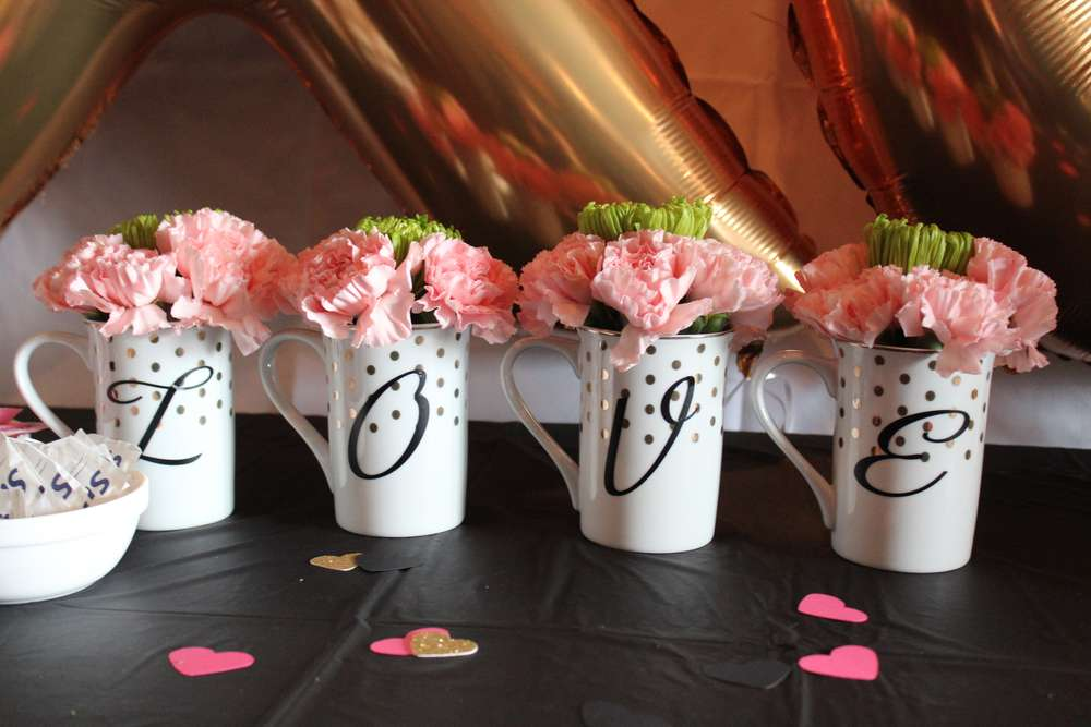 kate spade themed bridal shower flowers in cups