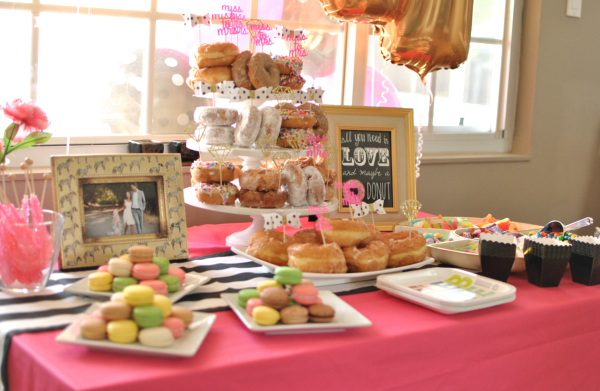 modern kate spade inspired bridal shower