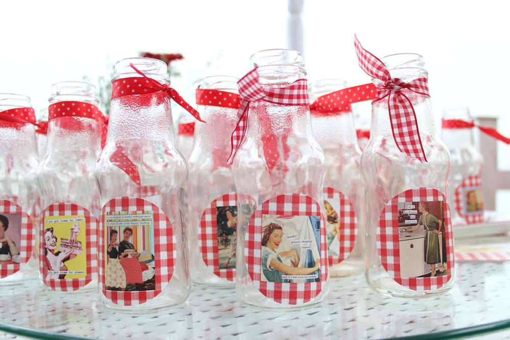 Retro Bridal Shower Decorations
