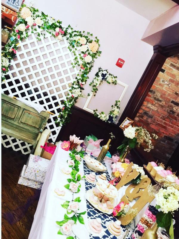 floral-bridal-shower-flower-frame-tablescape